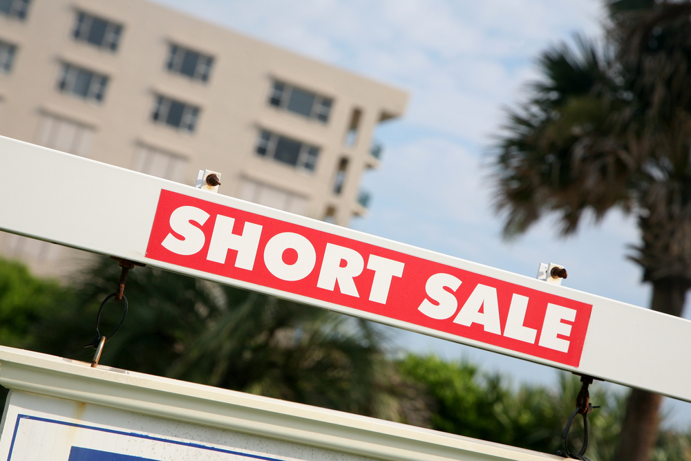 Pros and Cons of Short Sales